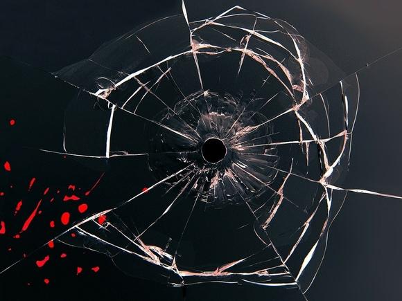 Пятеро молодых людей на Лиговском проспекте в Петербурге устроили стрельбу