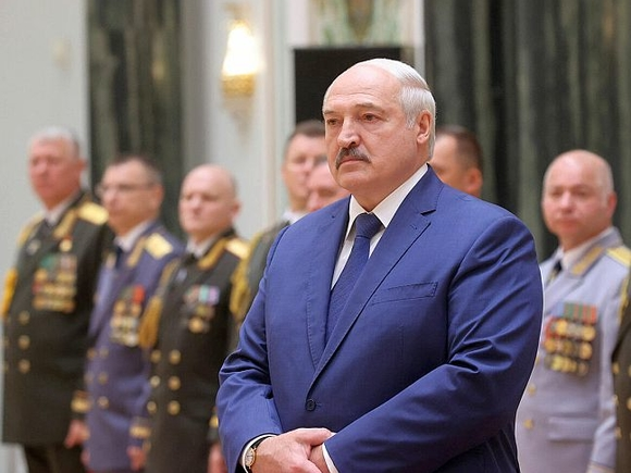 Лукашенко отдал часть своих полномочий правительству