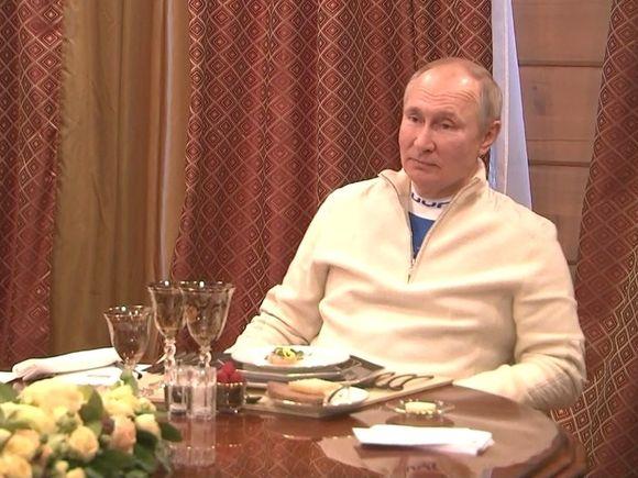 Путин выпустил призрак продуктовых карточек
