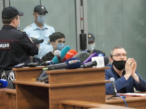 Baza: Следствие рассматривает версию о вербовке казанского стрелка