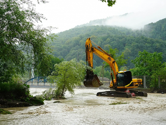 На Кубани из-за разлива рек вода зашла в 1,2 тыс. жилых домов