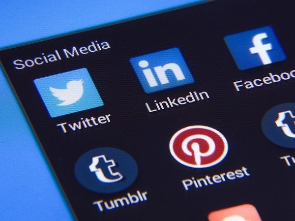 Завсегдатаям социальных сетей рассказали, как ими манипулируют политики