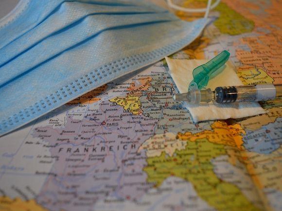 Минздрав получил документы для регистрации третьей антиковидной вакцины