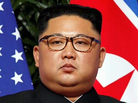 Daily Mirror: Ким Чен Ын, опасаясь свержения режима, запретил узкие джинсы и прическу, как у Виктора Цоя