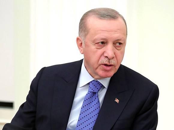 Эрдоган повторно предложил Макрону пройти психиатрическое обследование