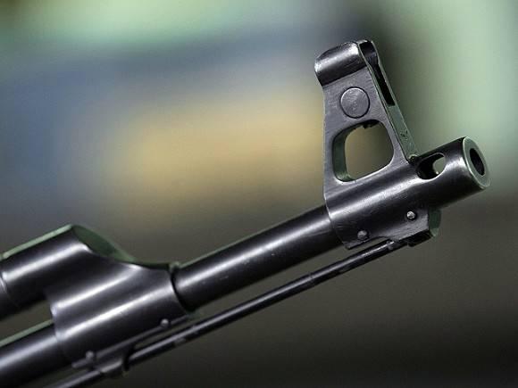 Житель Подмосковья открыл стрельбу из автомата у бара