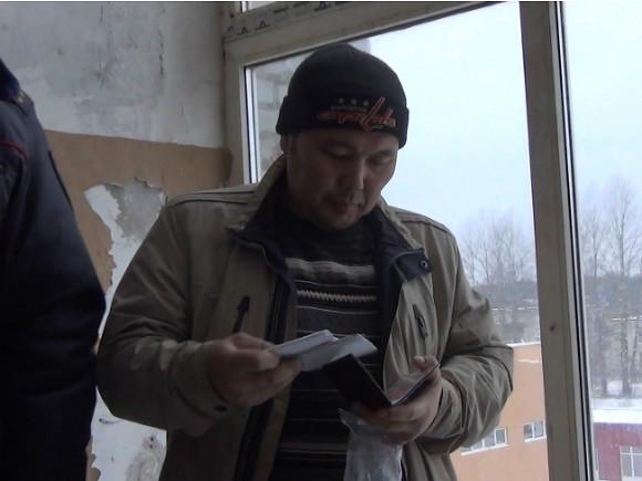 Правозащитник Усман Баратов предложил выдавать российские паспорта всем жителям бывшего СССР и их потомкам