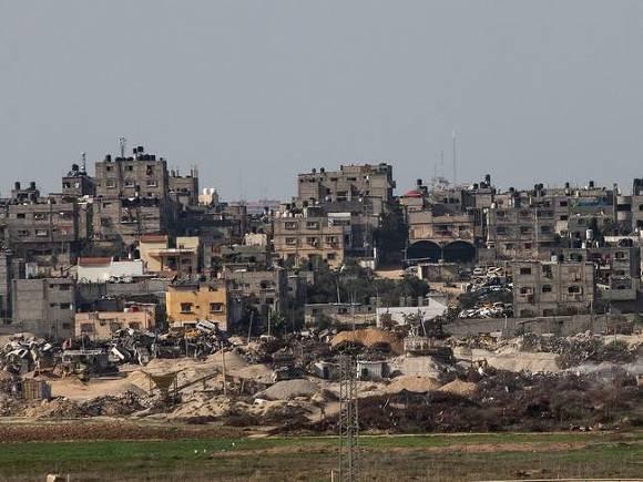 Высотное здание в секторе Газа снесло с лица земли от удара Израиля (видео)