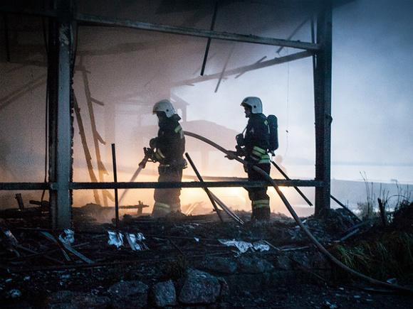 Жилой дом загорелся в Мурманской области