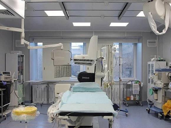 В Петербурге от коронавируса умер врач, около 40 лет проработавший в Елизаветинской больнице