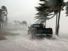 На Техас обрушились сразу два тропических шторма
