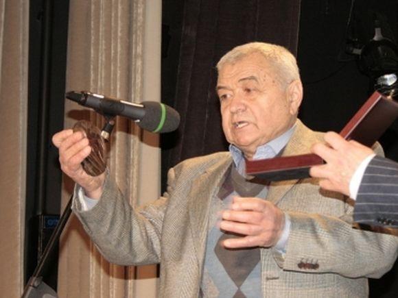 Умер комментатор и режиссер спортивных трансляций Эрнест Серебренников