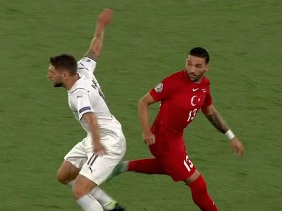 Чемпионат Европы по футболу начался с яркой победы итальянцев над турками