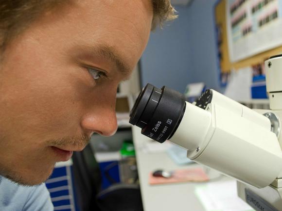 Ученые научились распознавать развитие онкологии по ногам