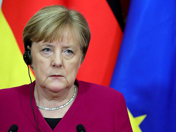 Меркель признала, что Германия переживает третью волну коронавируса