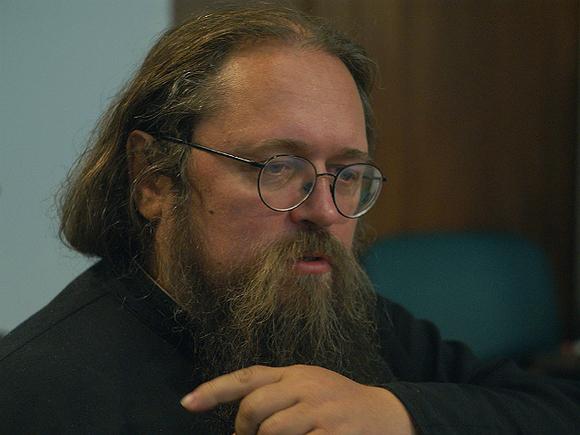 «Отталкивает людей от религии своей клеветой»: РПЦ пригрозила отлучить Кураева от церкви