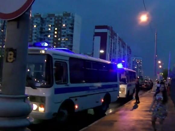 СМИ: В Москве задержанных после 23января держат в автозаках, потому что в спецприемниках нет мест
