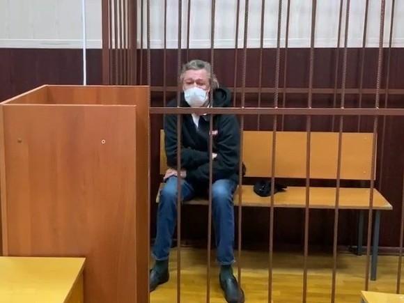 Алкоголизм не попал в список болезней Ефремова, оглашенный в суде