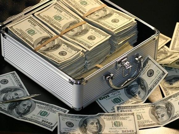 Россиянам объяснили цели внешних займов РФ