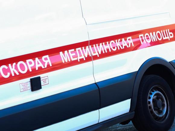 На Дворцовой набережной в ДТП попала детская реанимация (видео)