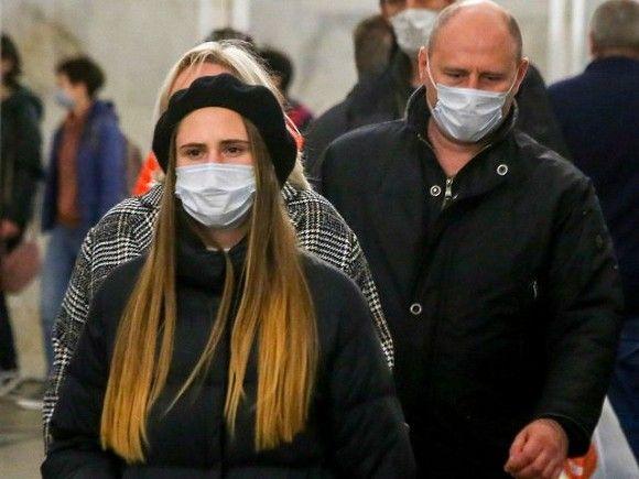 В Москве и Петербурге за сутки от коронавируса умерли почти 100 человек