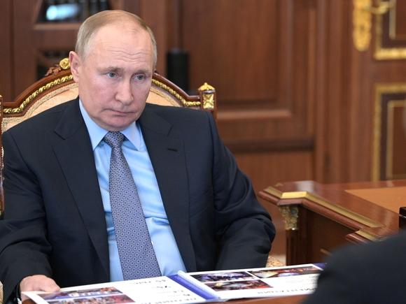 Путин объявил, что находившийся вкоме Навальный «сознательно» покинул страну ради лечения