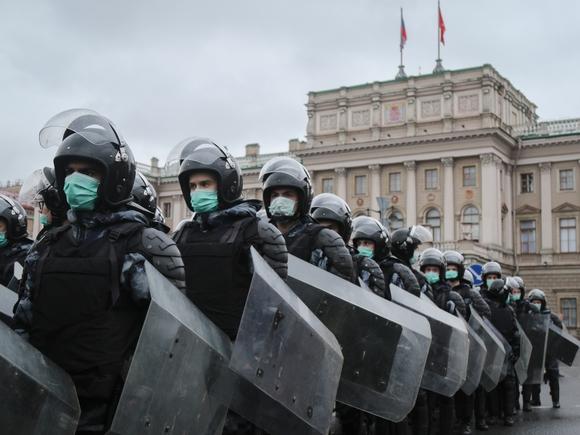Песков посоветовал россиянам, оставшимся без работы из-за митинга Навального, идти в прокуратуру