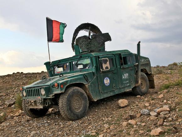46 афганских военных попросили убежища у Пакистана под натиском боевиков