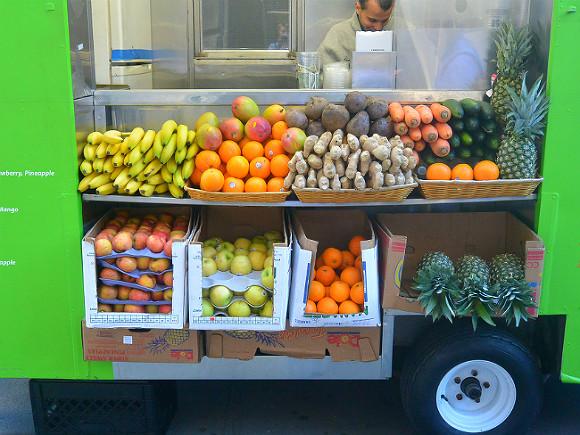 Предотвращает остеопороз, улучшает пищеварение: ученые рассказали об удивительной пользе ананаса