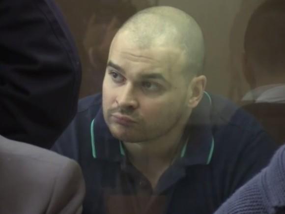 «Вырваны два ногтя»: Отец Марцинкевича и адвокат заявили о следах пыток на теле Тесака