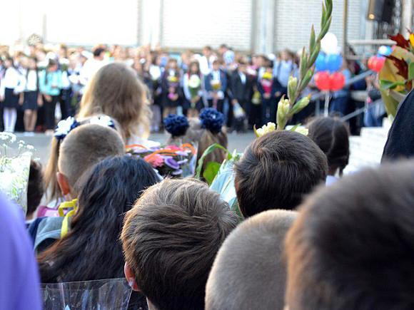 В Госдуме предложили отложить начало учебного года на месяц