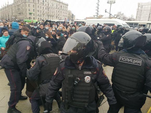 Два спецприемника в Москве «полностью забиты» арестованными участниками акции