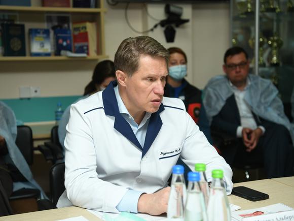 Минздрав в условиях роста смертности от COVID в РФ решил «мобилизовать» вышедших на пенсию врачей