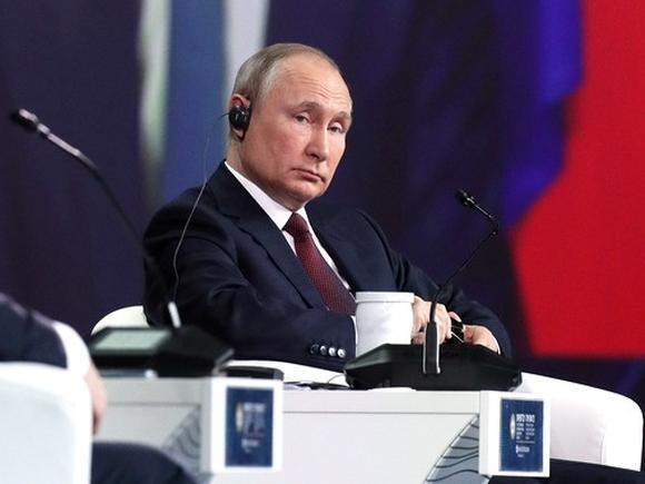 Путин назвал чушью обвинения в адрес РФ в кибератаках на трубопроводы и мясокомбинаты в США