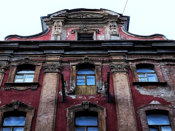 Туристы из Индии застряли в Петербурге из-за COVID-19