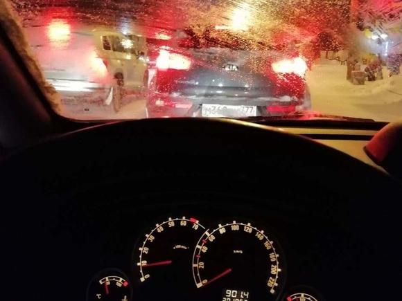 У мини-рынка в Калининграде 22-летний лихач на Mercedes вылетел на тротуар и насмерть сбил пенсионерку