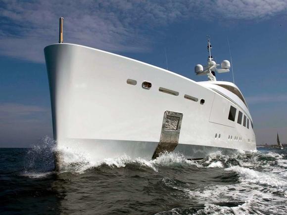 В порту Сочи заметили роскошную яхту еще одного российского олигарха