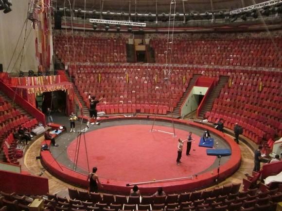 Артист цирка сорвался с высоты на репетиции в Москве