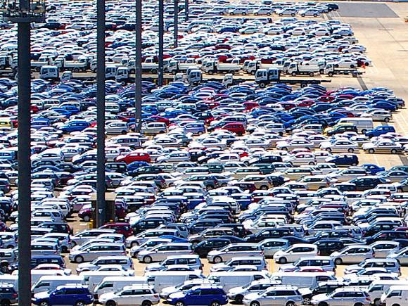 Россия резко нарастила импорт легковых автомобилей