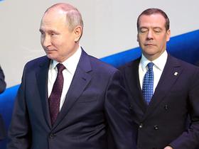 Анатомия слухов: непонятно, что Путин сделал с Медведевым
