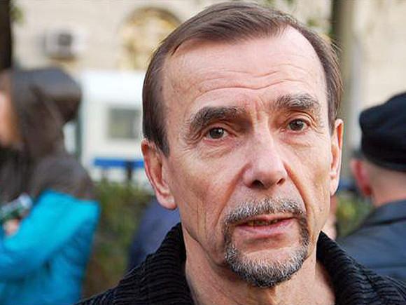 Лев Пономарев попал в больницу из-за COVID-19