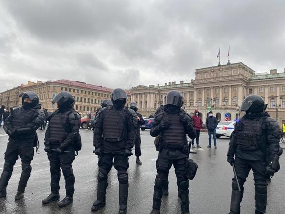 В Петербурге задержали сотрудника штаба Навального
