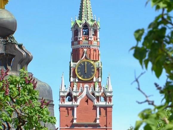 Церемонию развода караулов в Московском Кремле отменили из-за жары