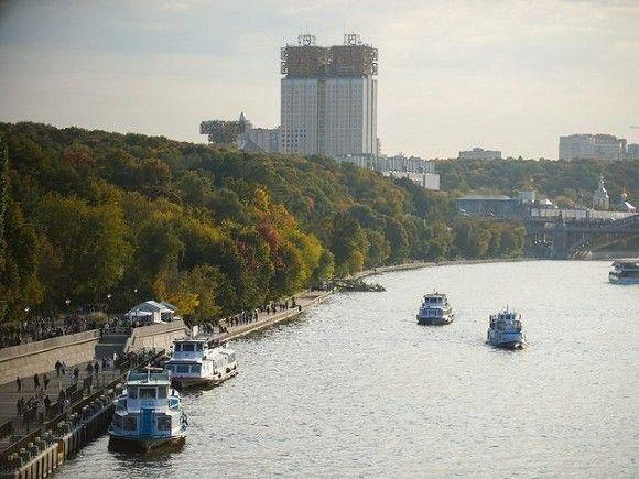 Из Москвы-реки у набережной Тараса Шевченко вытащили тонувшего мужчину