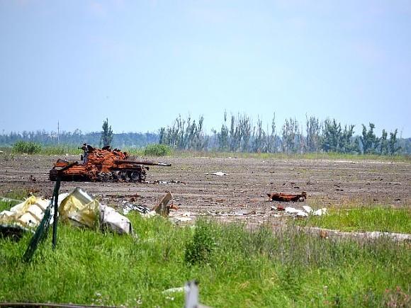 В ДНР сообщили о гибели четырех солдат в результате обстрелов пригорода Донецка