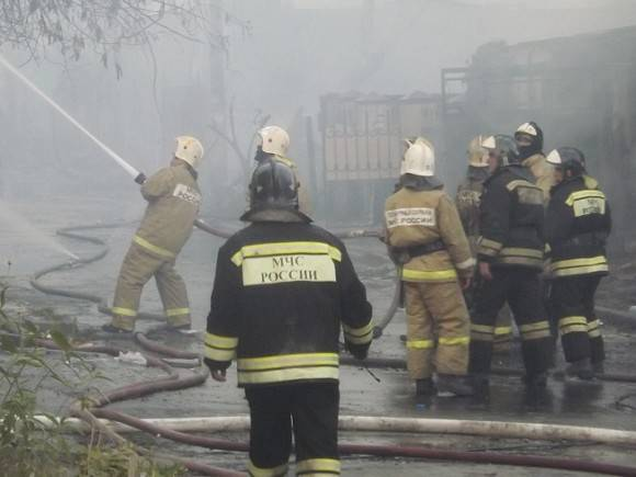 В Свердловской области отыскали фрагменты тела пятого из погибших в пожаре детей (видео)