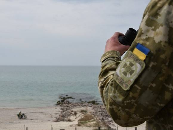 Военный эксперт Храмчихин о запрете полетов близ Украины: Это сигнал со стороны России