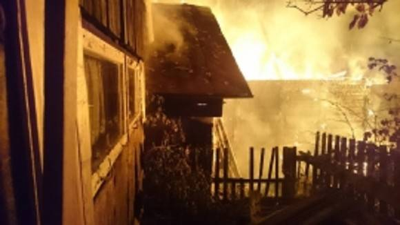 Заживо сгорели женщина и четверо детей при пожаре в Якутии