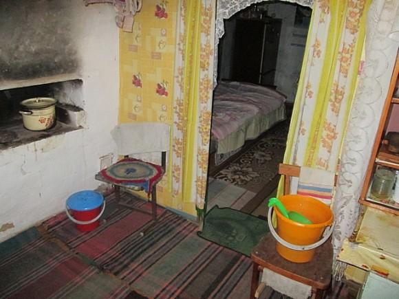 Саратовская семья с двумя детьми отравилась угарным газом