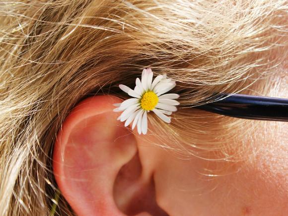 Врач рассказал о проблемах со слуховым нервом у тяжелых пациентов с COVID-19